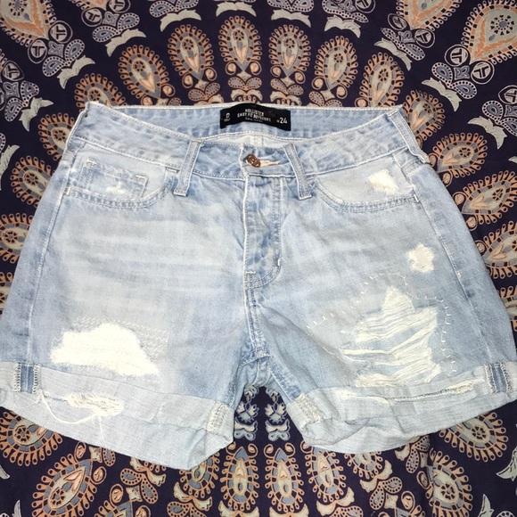 Hollister Pants - Hollister mom jean shorts